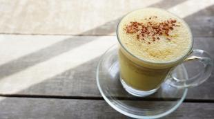 Полезен ли кофе с куркумой, рецепты пряного бодрящего напитка