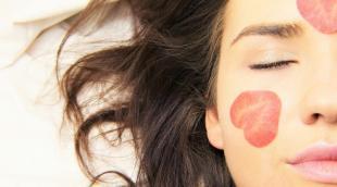 Куркума против прыщей: польза и рецепты масок