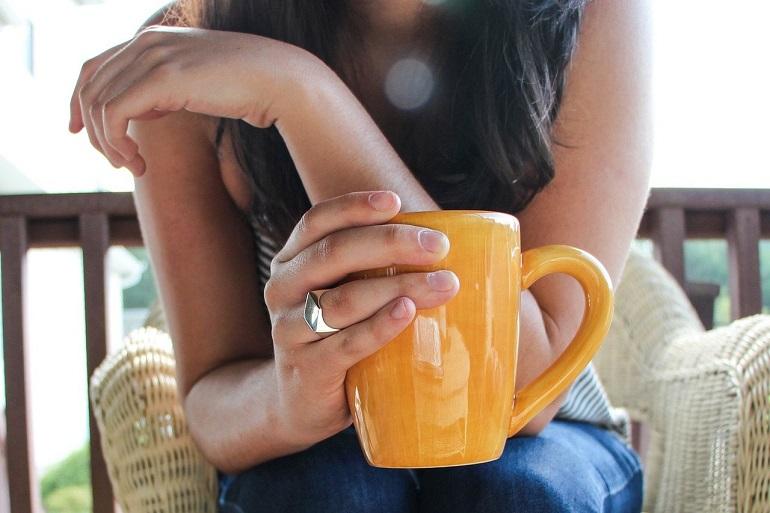 Пить кофе по утрам