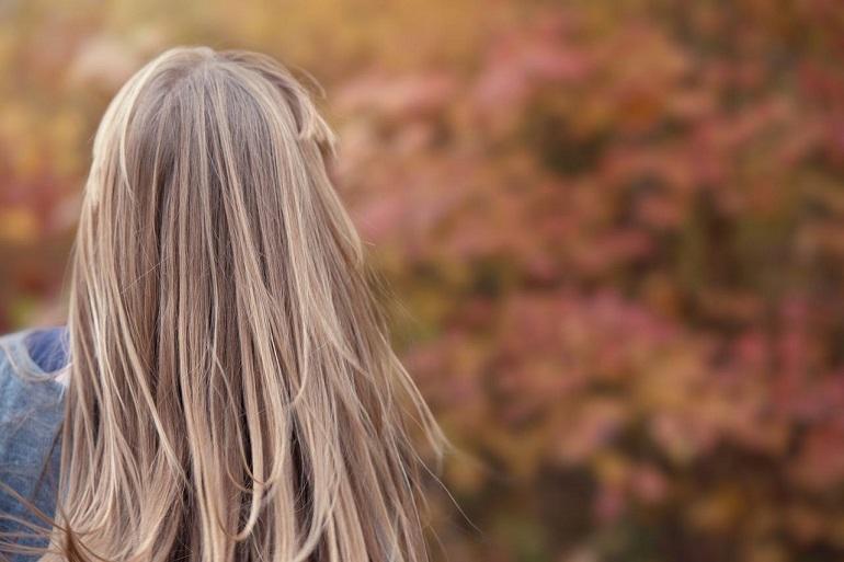 Волосы светлые длинные