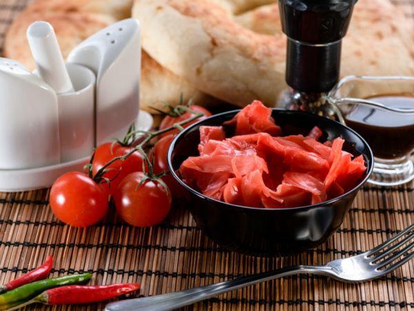 Блюдо из красного имбиря