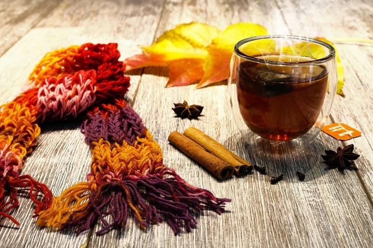 Чай с корицей осенью