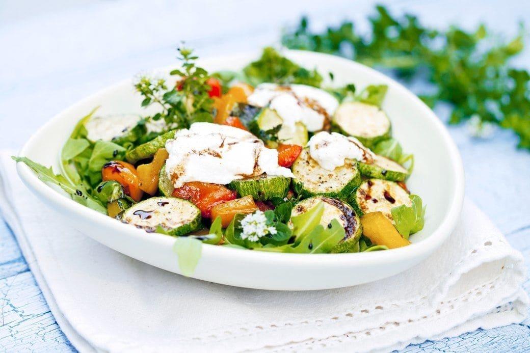 Теплый салат с цукини