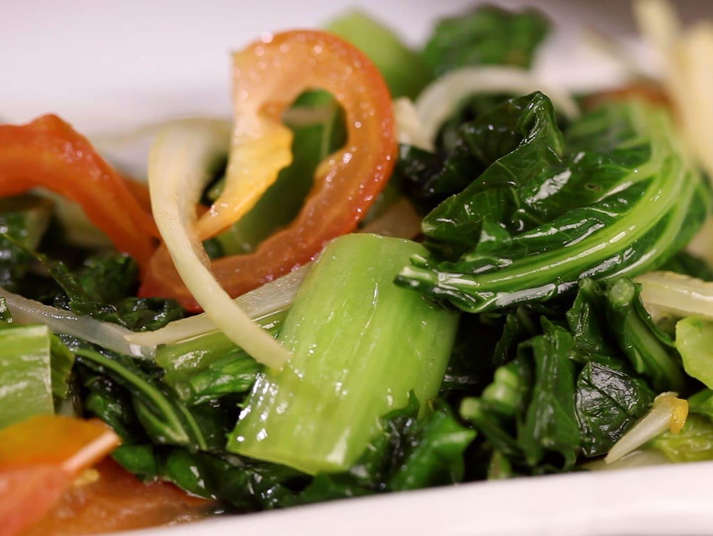 Салат с зеленью горчицы